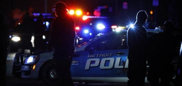 detroit-police-night-photo